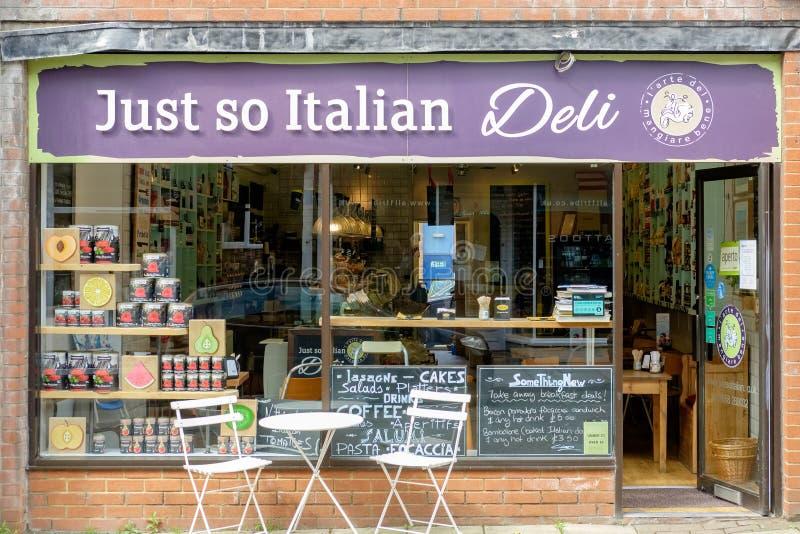 Итальянский деликатес в Лестершире, Великобритании стоковая фотография