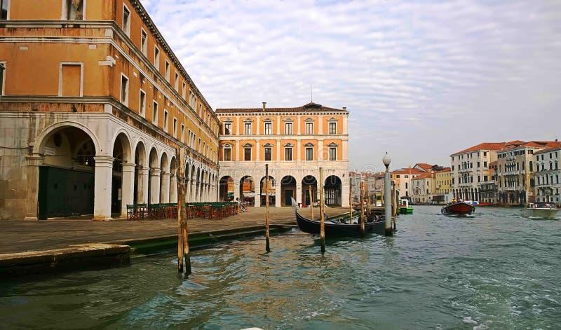 Италия Идите через улицы и каналы Венеции стоковые фотографии rf