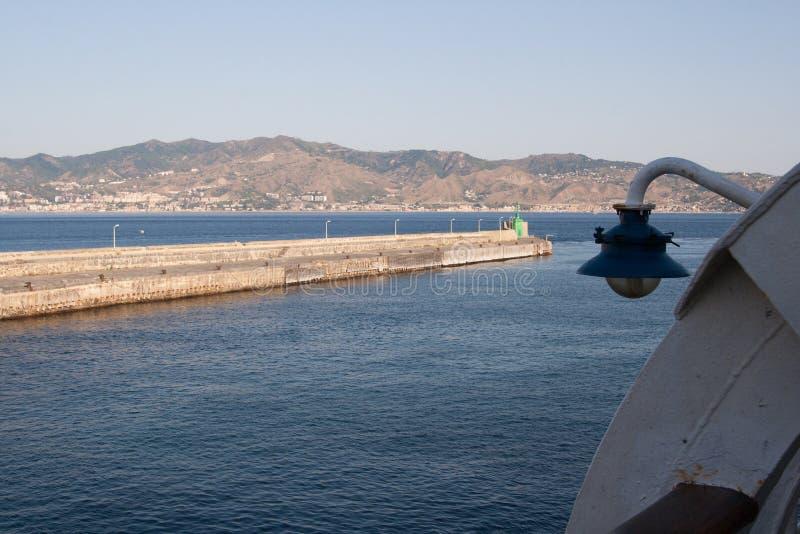 Италия, пролив Мессины - гавани виллы San Giovanni стоковое фото