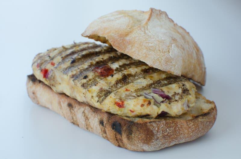 Итальянский изолированный бургер цыпленка стоковая фотография