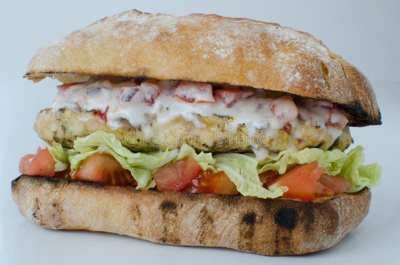 Итальянский изолированный бургер цыпленка стоковая фотография rf