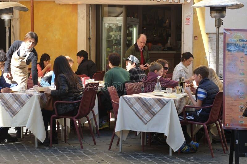 Download Итальянский ресторан редакционное изображение. изображение насчитывающей барбекю - 37927255