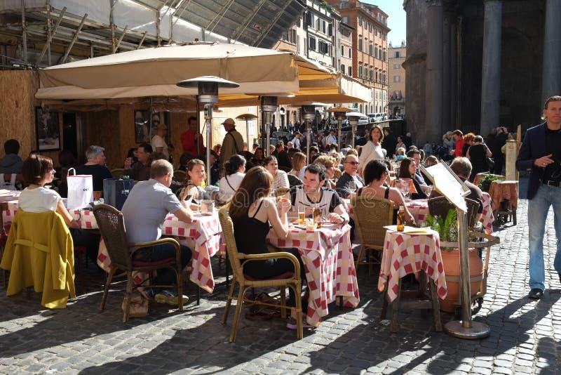 Download Итальянский ресторан редакционное фотография. изображение насчитывающей жизнь - 37927692
