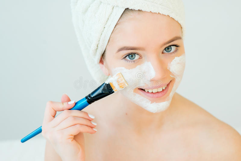 лицевая женщина маски стоковое изображение