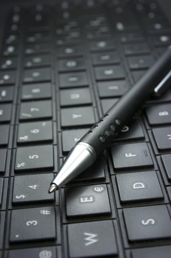 Download Идея. Клавиатура компьютера. Стоковое Изображение - изображение насчитывающей письмо, изучение: 33728199