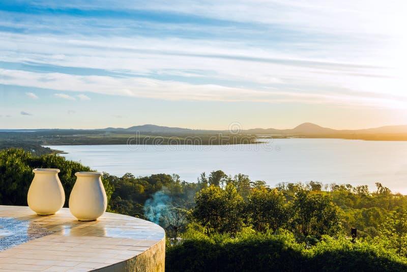 Идилличные окрестности озера верб, Уругвая стоковые изображения