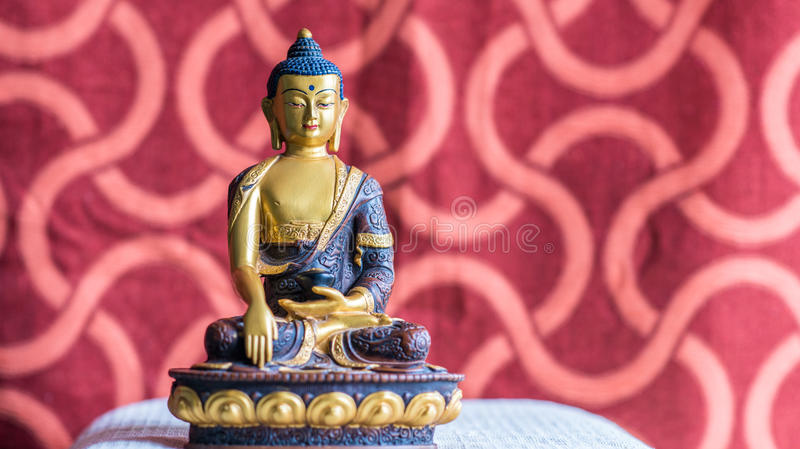 Идол Будды, от Бутана стоковые фотографии rf