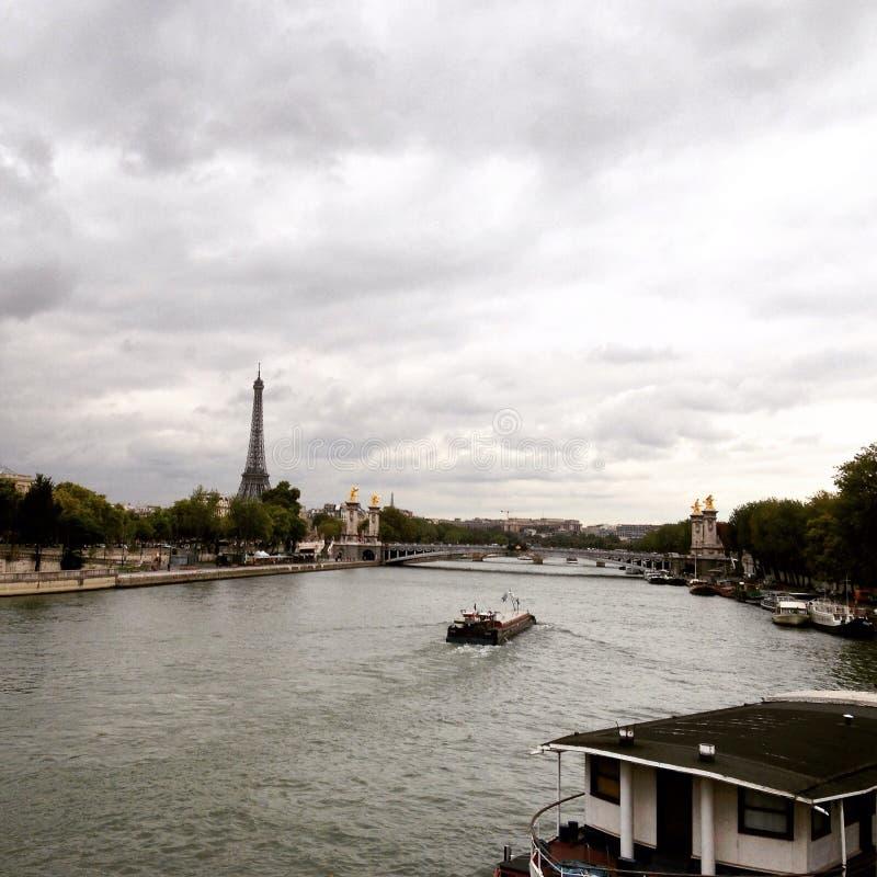 Идти дождь ноябрь, Париж стоковые фотографии rf