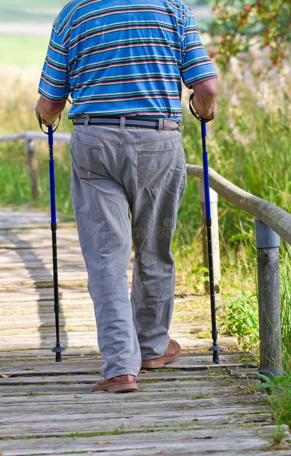 Идти пенсионера стоковое фото rf