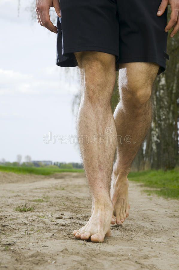 Идти barefoot стоковое фото rf
