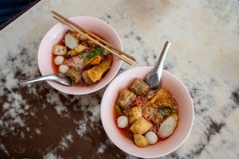 Йен-Та-Фо, таиландская розовая суповая лапша стоковые изображения rf