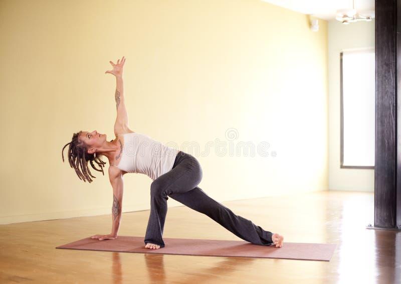 йога консервооткрывателя сердечника стоковое изображение