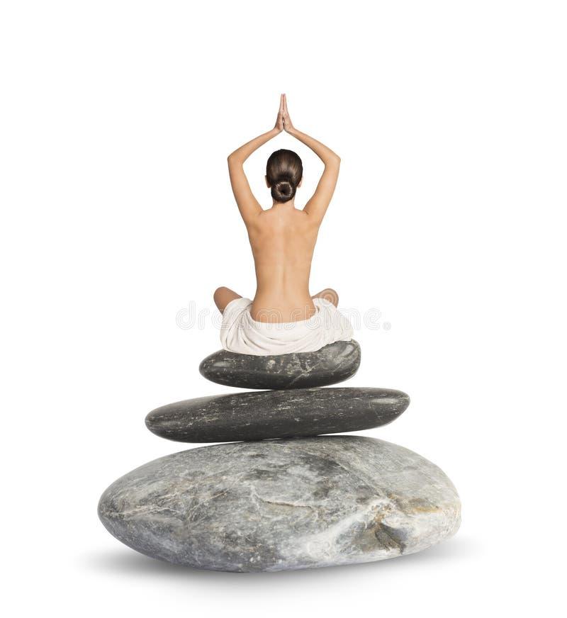 Йога на утесах стоковая фотография rf