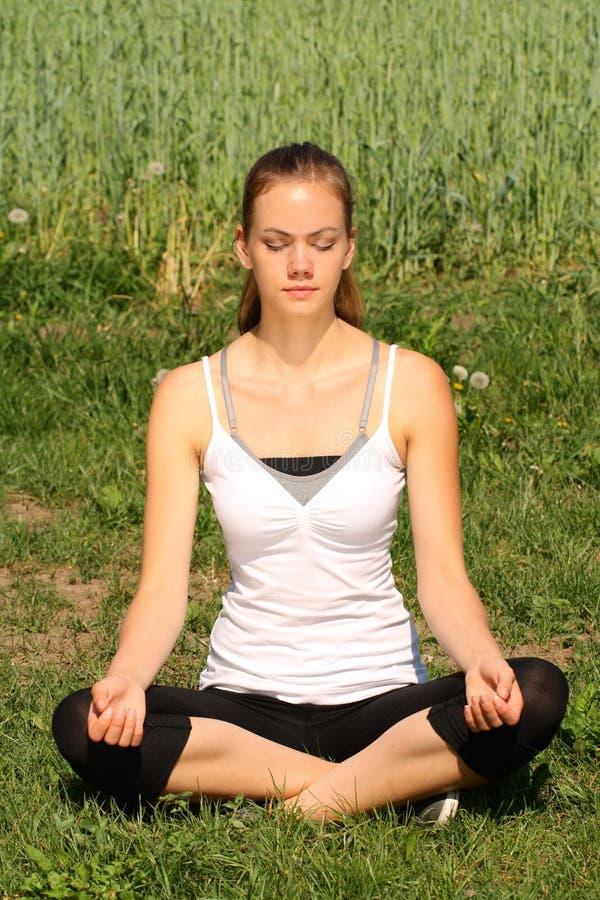 йога релаксации стоковое фото