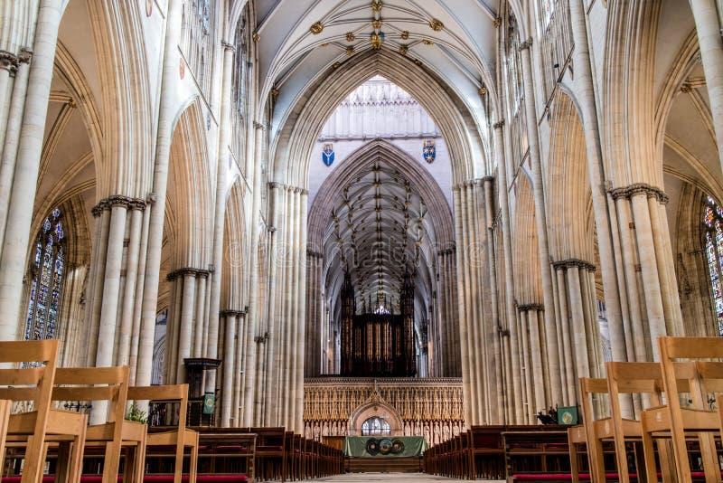 Йорк, Великобритания - 02/08/2018: Внутренняя монастырская церковь Йорка стоковые изображения