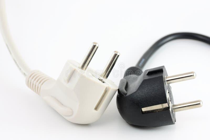 кабели с черной пропиткой приводят белизну в действие стоковые фото