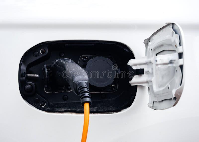 Кабель заряжателя автомобиля стоковое фото