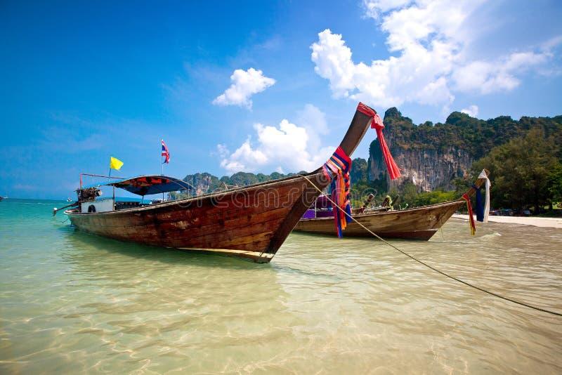 кабель Таиланд шлюпок залива длинний railay стоковое изображение rf