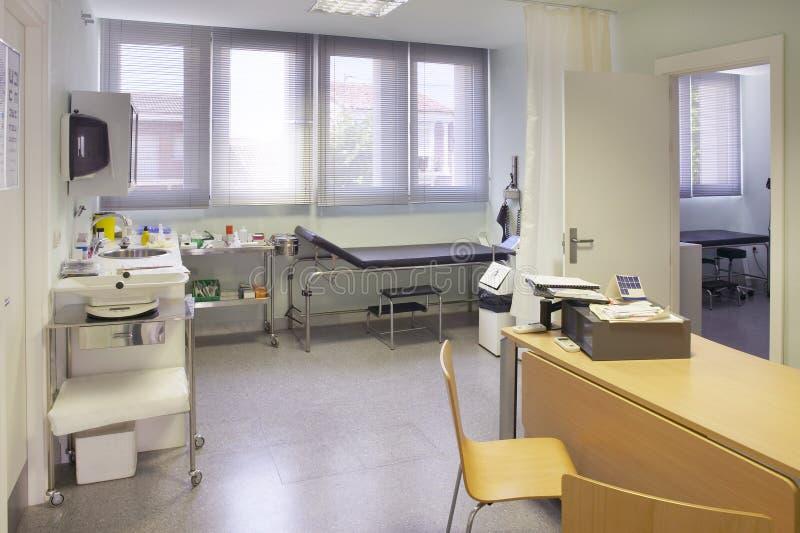 Кабинет врача доктора больницы Оборудование здравоохранения Оборудование медицинского лечения стоковая фотография rf