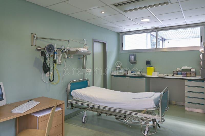 Кабинет врача доктора больницы Оборудование здравоохранения Оборудование медицинского лечения стоковые фото