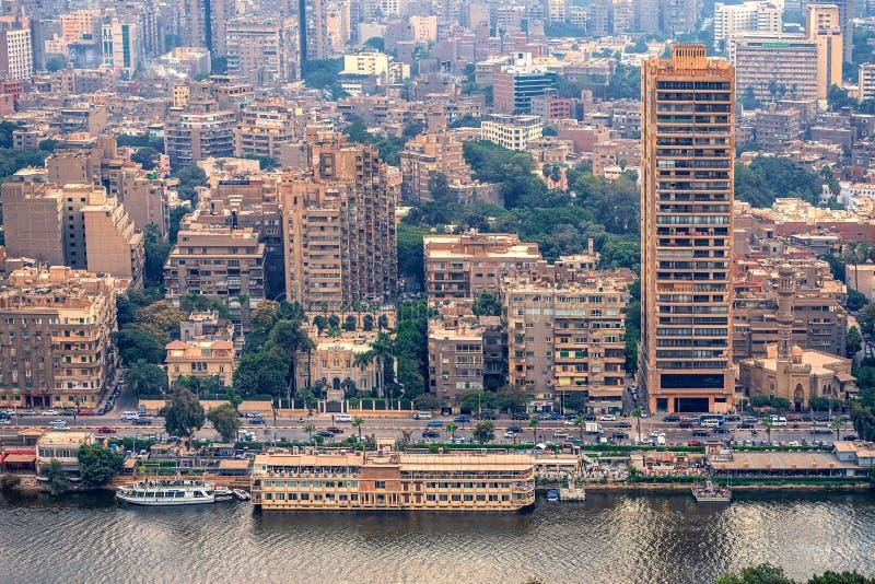 11/18/2018 Каиров, Египет, панорамный вид централи и части дела города от смотровой площадки на самом высоком towe стоковое изображение