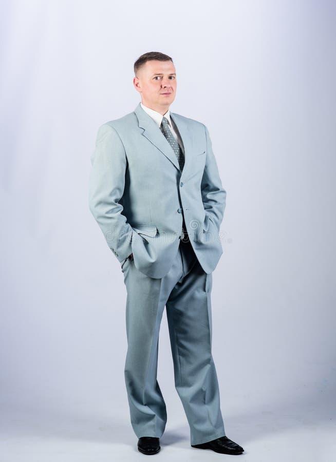 Как вы любите это официальные партия или встреча Владелец бизнеса официальные мода и дресс-код деловой костюм человека стоковое изображение rf