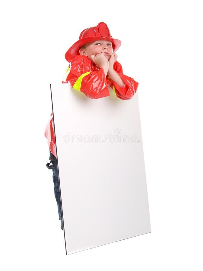 как мальчик одетьнный пожар самолет-истребителя немного вверх стоковые изображения