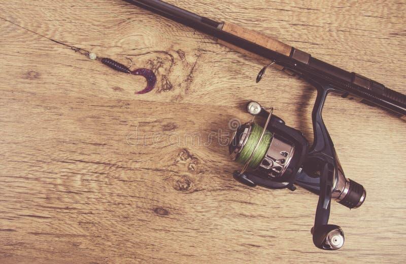 как премудрость людей рыболовства оборудования Закручивая метод Место для надписи стоковое фото rf