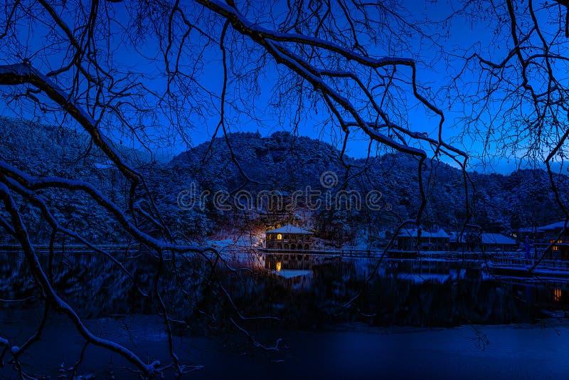 Как утро сцены озера 2-Snow Luqin в держателе Lu стоковые изображения rf