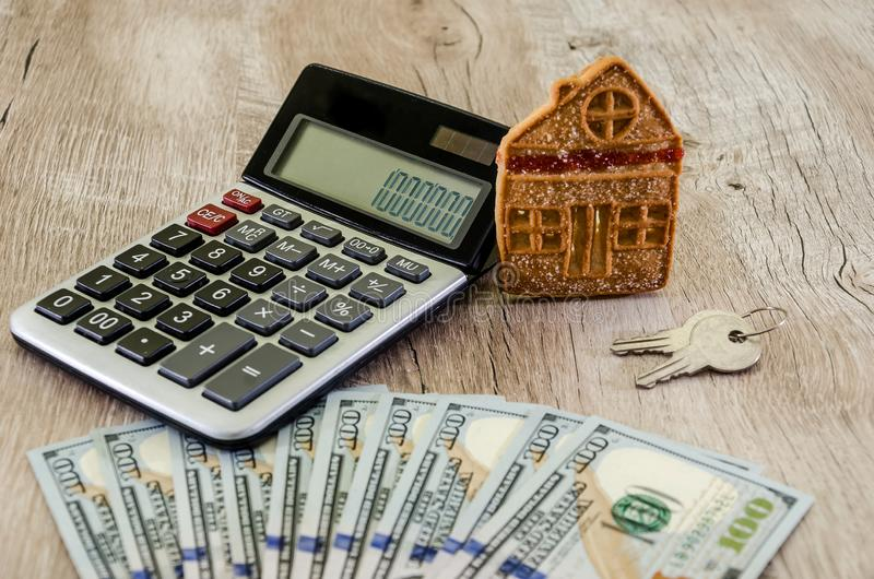Доллары, ключи, виски, полицейская машина Стоковое Фото - изображение насчитывающей полицейская, ключи: 97054382