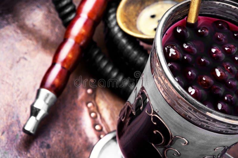 Кальян с коктеилем спирта стоковое фото rf