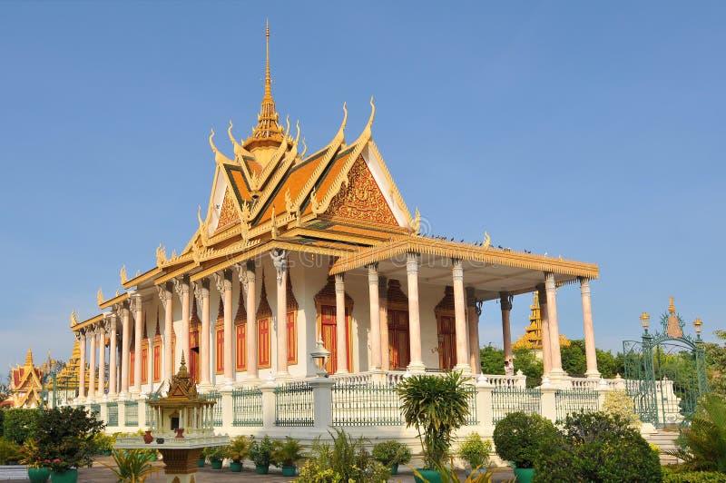 Камбоджа, Пномпень, Королевский дворец в Пномпене стоковая фотография rf