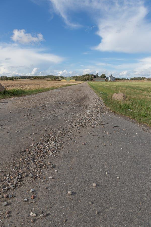 Каменистая грязная улица стоковые фотографии rf