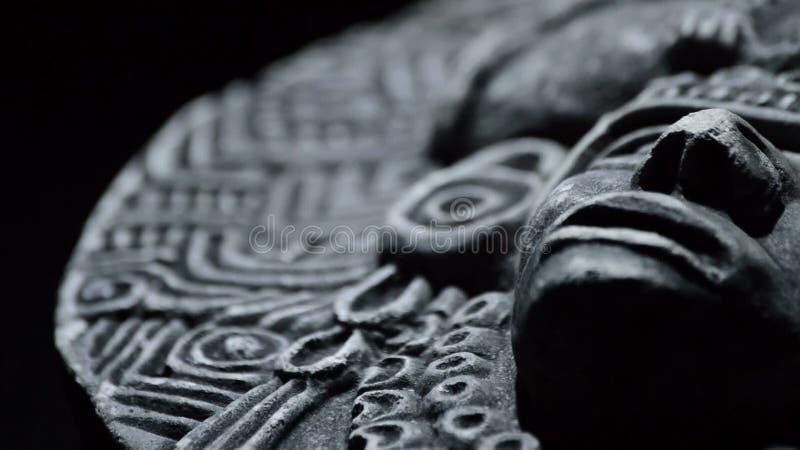 Каменная скульптура стороны античной культуры южной - американский ацтек, inca, olmeca видеоматериал