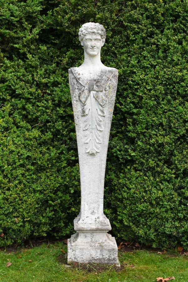 Каменная статуя, аббатство Mottisfont, Хемпшир, Англия стоковая фотография rf