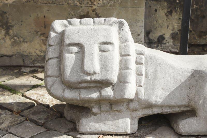 Каменная статуя льва стоковая фотография rf