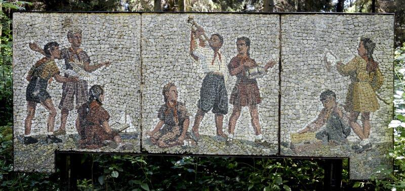 Каменное художественное произведение в парке наследия СССР в Grutas, Литве стоковые изображения rf