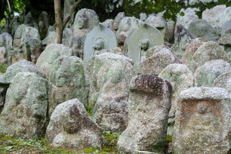 Каменные буддийские таблетки стоковые фотографии rf
