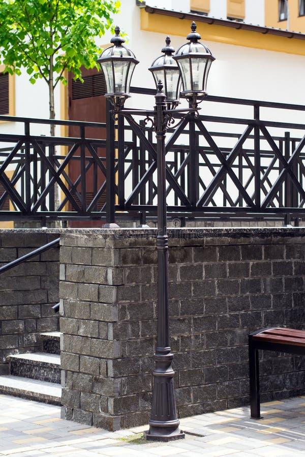 Каменные лестницы в парке стоковая фотография rf