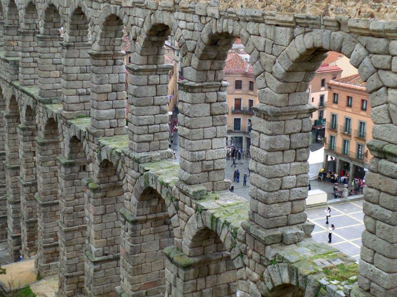 Каменные своды римского мост-водовода Сеговии, Испании стоковая фотография rf