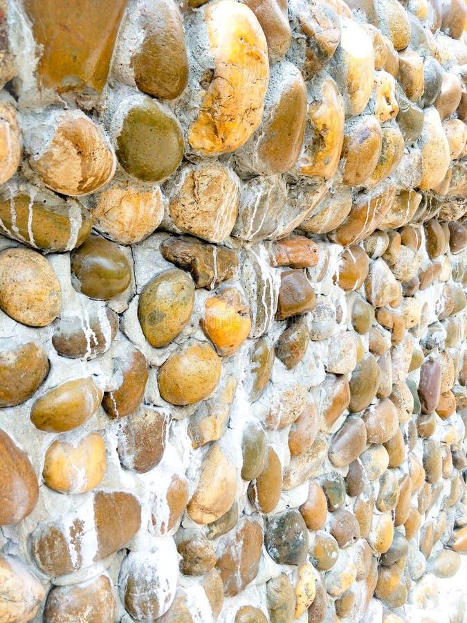 Каменные стены используют камни и приносят миномет раньше стоковые изображения rf