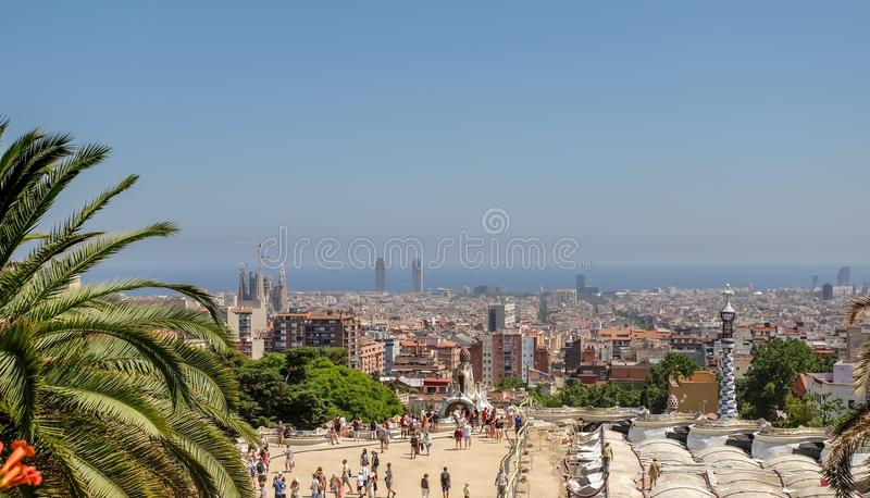 Каменные столбцы в парке Guell, Барселоне стоковое фото