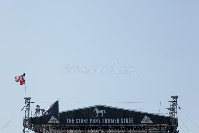 Каменный этап лета пони стоковые фото
