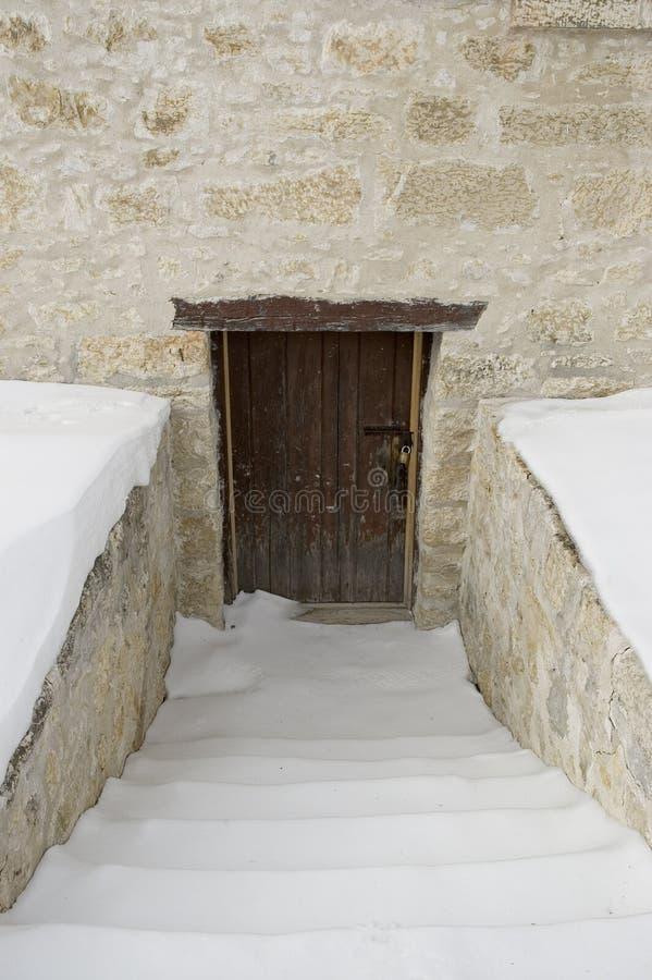 Download камень двери стоковое изображение. изображение насчитывающей война - 85569