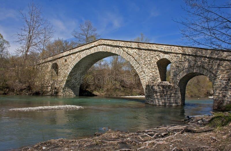 камень моста старый стоковая фотография