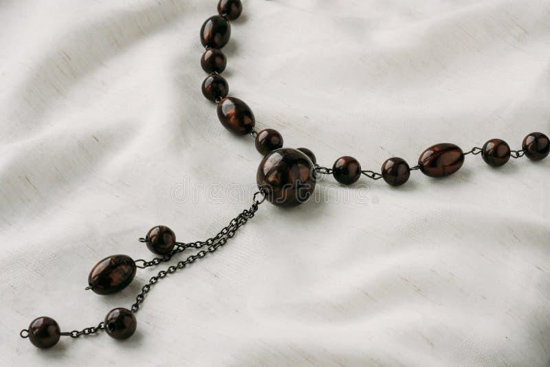 Камень отбортовывает ожерелье стоковые изображения rf