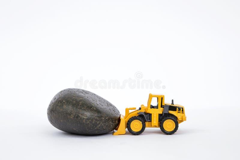 Камень передней тележки нагрузки moving черный стоковые фотографии rf