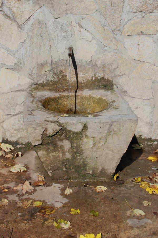 камень фонтана старый стоковые изображения