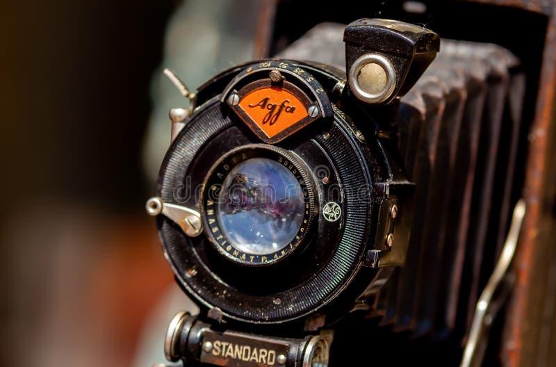 Камера складчатости Agfa - антиквариаты справедливые в Бухаресте стоковые изображения