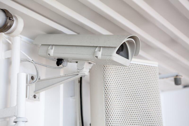 Камера слежения CCTV установленная в доску туристического судна для контролировать и наблюдения стоковое фото